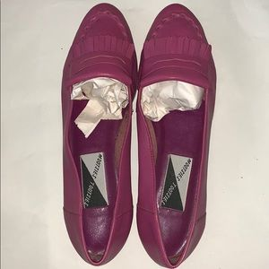 Beautiful pink leather loafer